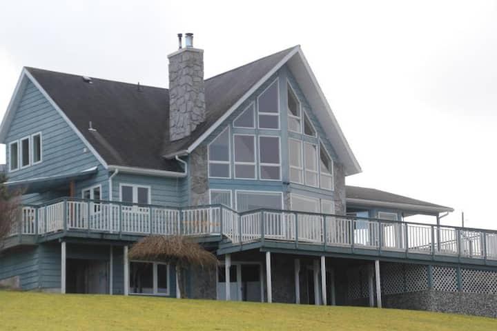 Azure Blue Beach House ~*~ Telegraph Cove