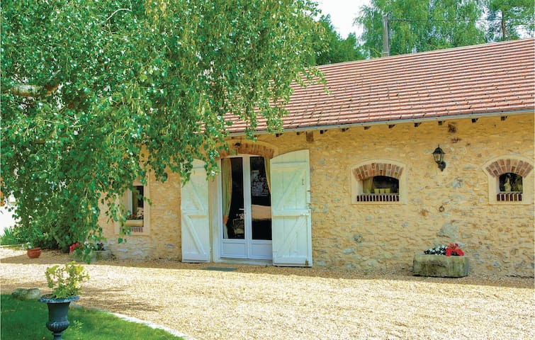 Holiday cottage with 1 bedroom on 50m² in Sonchamp