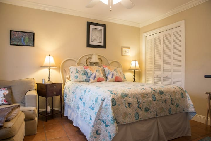 Your bedroom includes cable TV, WiFi, Alexa, a very comfortable bed, and a lovely view!