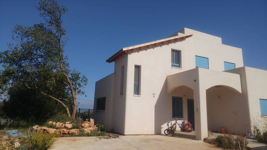 a beautiful home in the galille . upper flour - Karmiel - Rumah