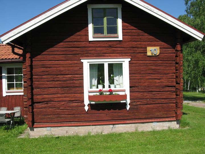 Sjönära 4-bstuga  4km från Leksand