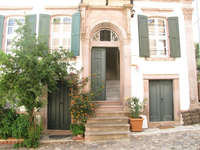 Eolos House Cunda - Whole Guesthouse
