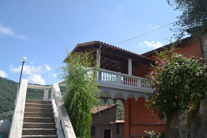 Cozy Holiday Home in Testico Liguria with garden
