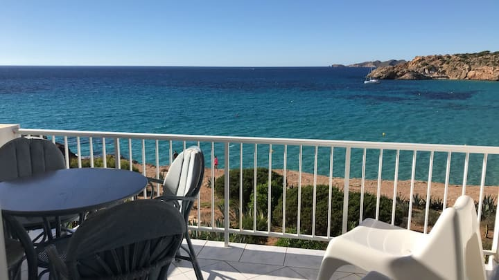 Cala tarida Beach flat , Amazing place & Sea View
