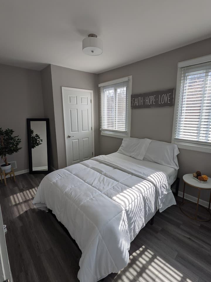 Cozy & Comfortable Private Room/Bath