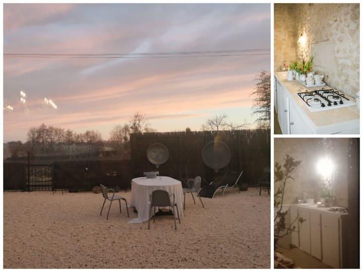 The Little Barn-La Petite Grange Escurolles France