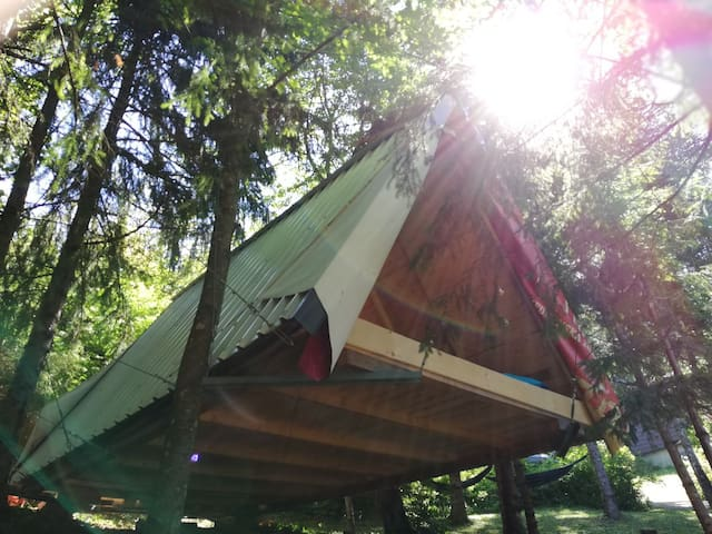 Aerial glamping