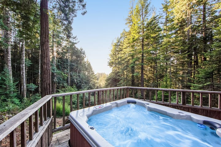 Lovely home w/ forest & partial ocean views, private hot tub, & high-speed WiFi!