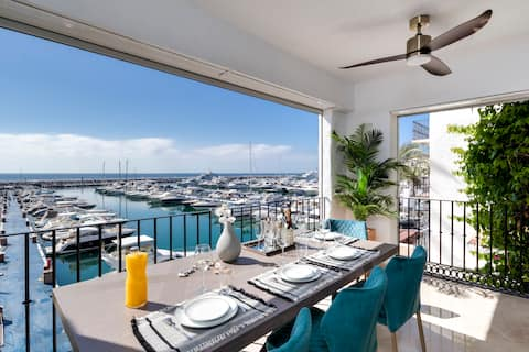 Luxury Penthouse Frontline Puerto Banus