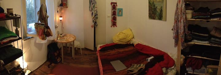 cosy room in Nachlaot