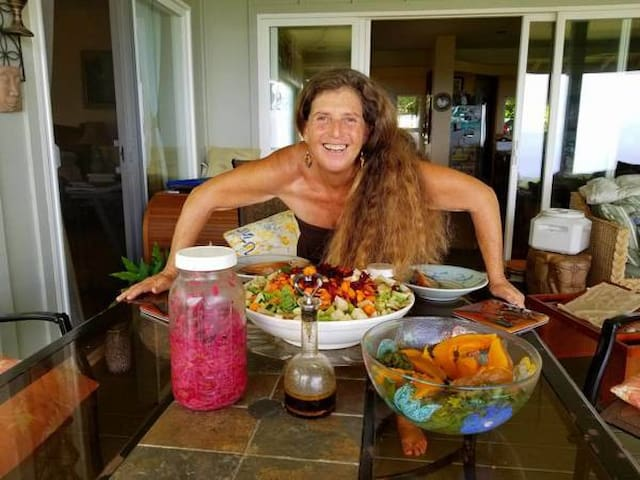 Donna has been a culinary healing arts chef for over 30 years, sharing abundance to nourish and heal others.
