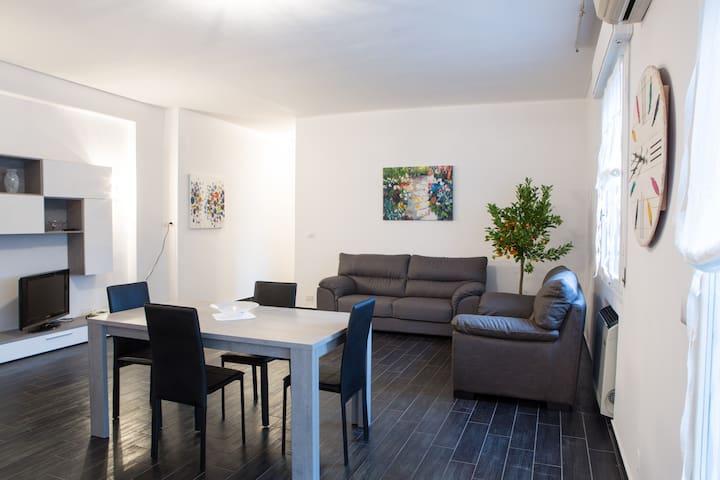 Appartamento con terrazzo per jogging e joga - Carpi - Apartmen