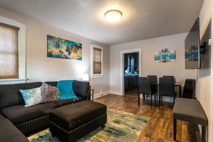 Bungalow Charmer Home with W/D+ 5 min to DT SLC!