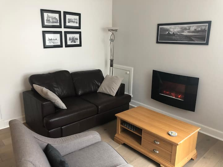 Bright and modern apartment in centre of Kirkwall.