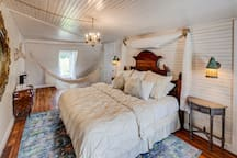 Fairytale Suite   One of Seven Individually Designed Units in The Belmont Farmhouse