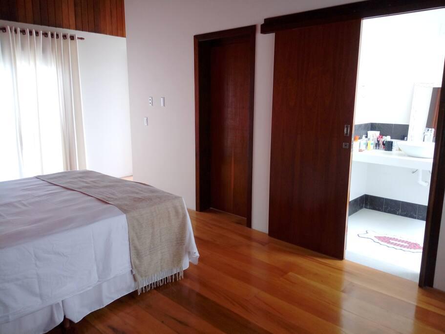 Suite - Quarto com banheiro / Habitación con baño