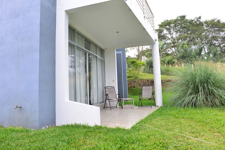 Private Apartment in the middle of Coffee Farms - Provincia de Alajuela - Daire