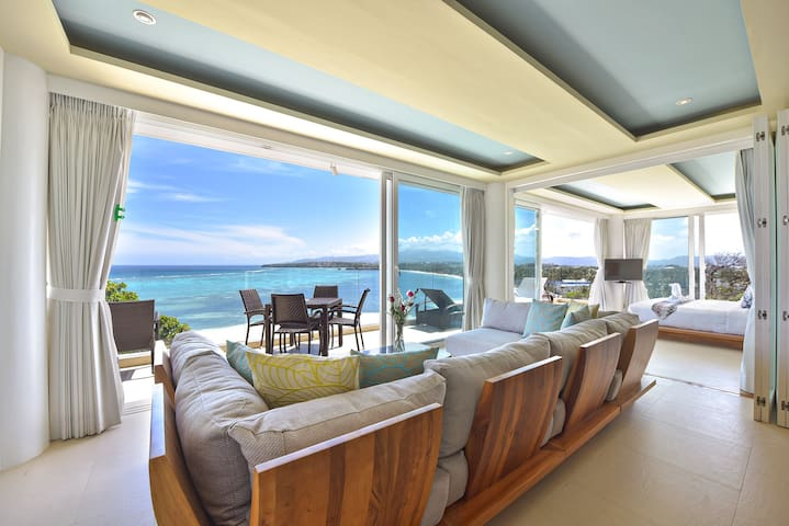 7 Bedroom Luxury Suites with an Ocean View - Malay - Villa