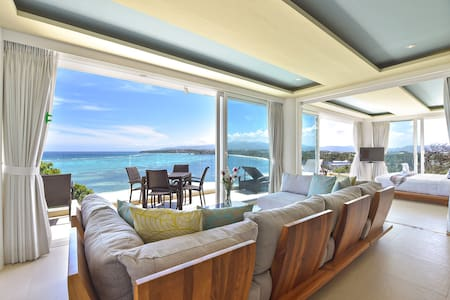 7 Bedroom Luxury Suites with an Ocean View - Malay - Villa