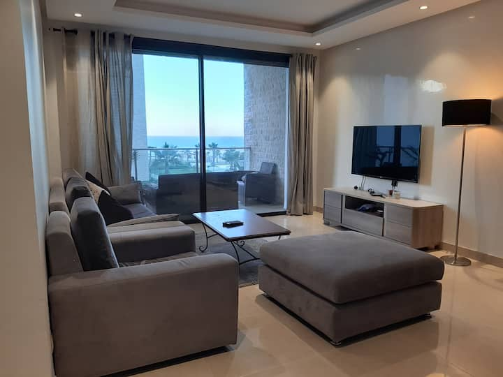 Appartement vue sur mer et piscine