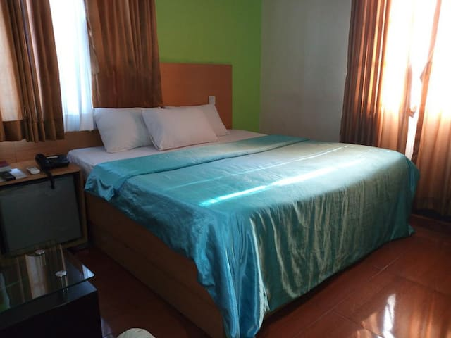 Suncity Hotel - Deluxe Room