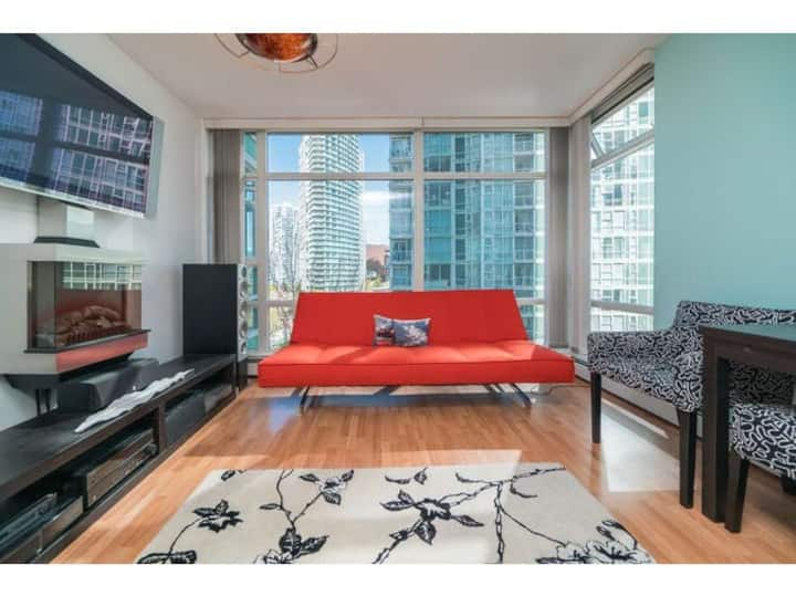 Cozy furnished 1bd Apt in the heart of Yaletown