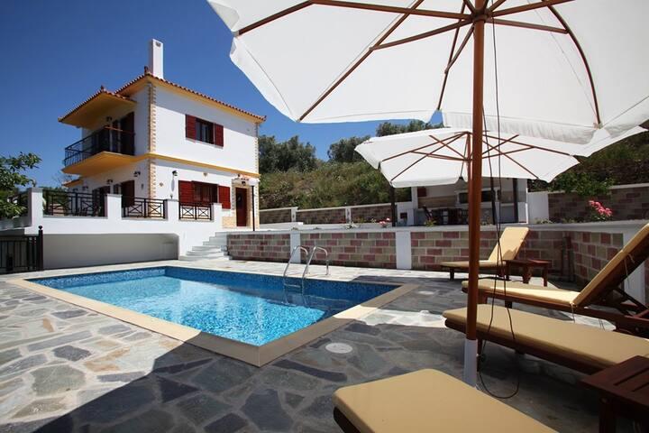 Skopelos Villa Augousta