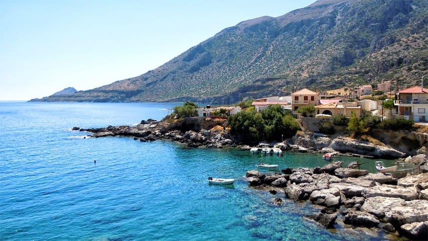 Σπίτι δίπλα στη θάλασσα. - Agios Ioannis kapetaniana irakleiou - Dům