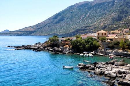 Σπίτι δίπλα στη θάλασσα. - Agios Ioannis kapetaniana irakleiou