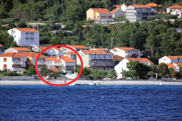 One bedroom apartment near beach Orebić (Pelješac) (A-4548-a)