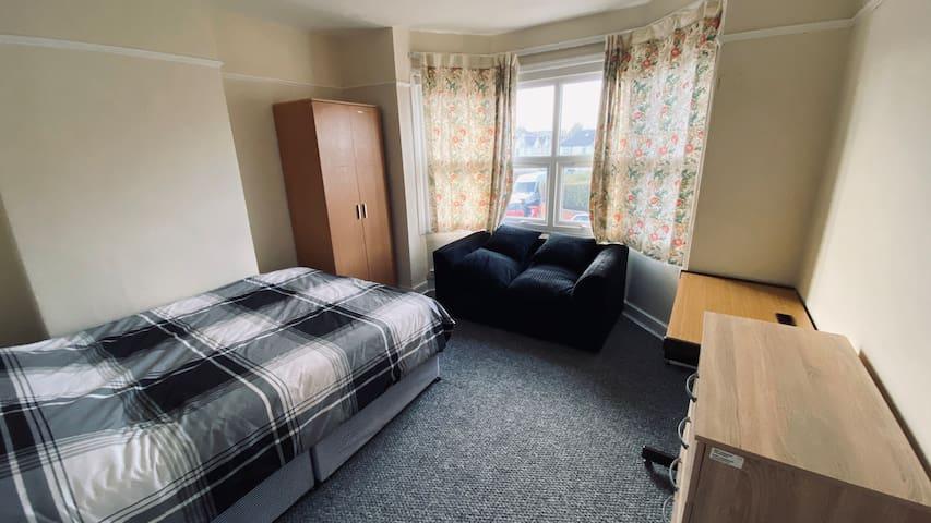 ridgefield jenny room