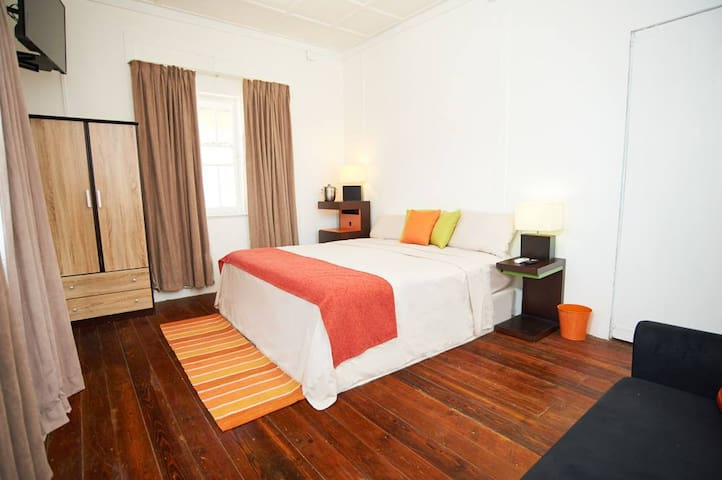 Colonial Cottage Apartment- Port Of Spain