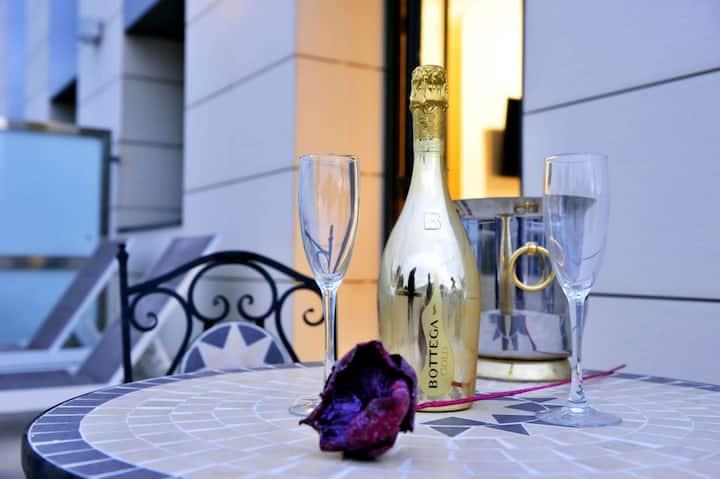 Enjoy the terrace of a double room 300m beach side