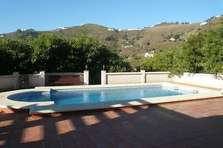 Holiday Rentals in Spain - Cómpeta - Villa