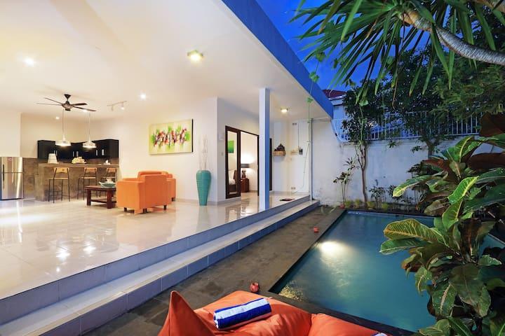 Cozy and quiet 2 BR villa in Seminyak [PROMO]