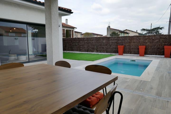 Villa avec piscine a deux pas du cœur d' Albi