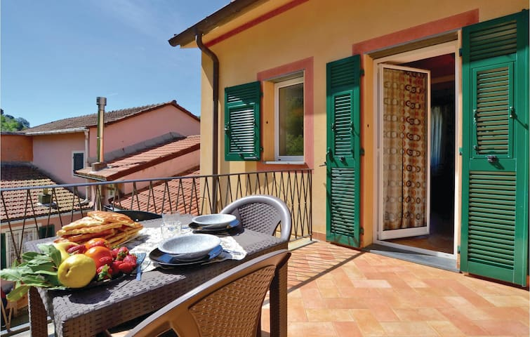 Holiday cottage with 2 bedrooms on 80m² in Recco (GE)