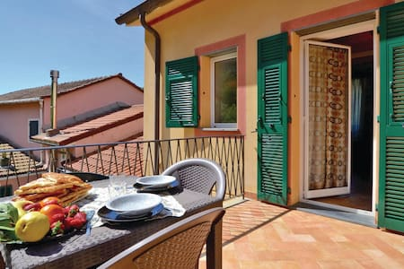 Holiday apartment with 2 bedrooms on 80m² in Recco (GE)