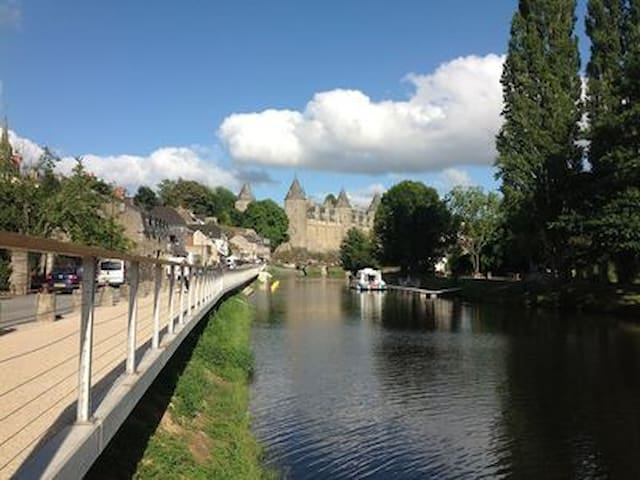 Waterside townhouse in historic Josselin, France