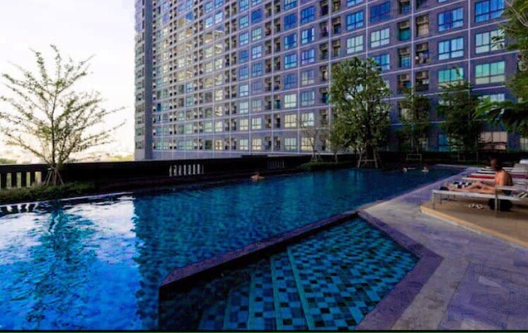 Cozy in town, close to BTS . - Bangkok - Apto. en complejo residencial