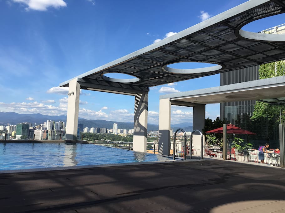 Lavish Suite With Rooftop Pool Pudu 4 Mins Lrt Condominiums For Rent In Kuala Lumpur