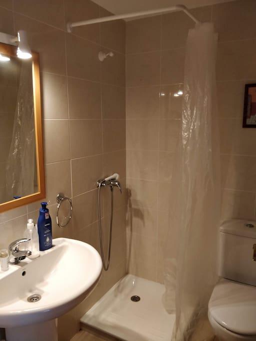 Baño habitación de matrimonio