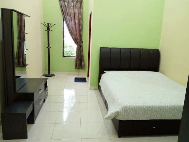 ArRayyan Homestay Taiping (1st floor)