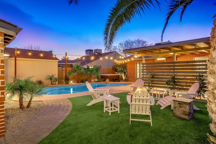 Coronado Getaway w/ Shared Pool, Hot Tub & Firepit
