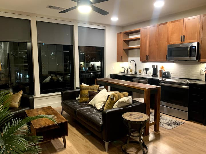 **Modern luxury in the Heart of Deep Ellum**