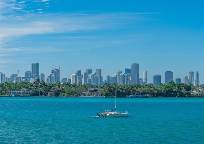 THE BEST WATER-VIEWS & LOCATION IN SOUTH BEACH