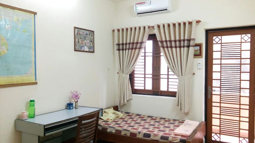 Single Room - Homestay with Family - Ho Chi Minh City