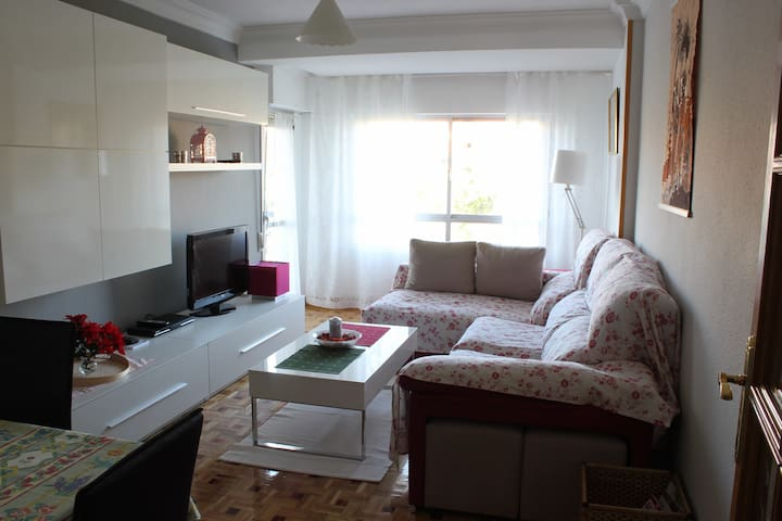 Newly Renovated 2 Bedroom Flat