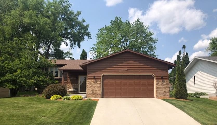 OJade Property 4 BR-2 BA, 2 miles from Mayo Clinic