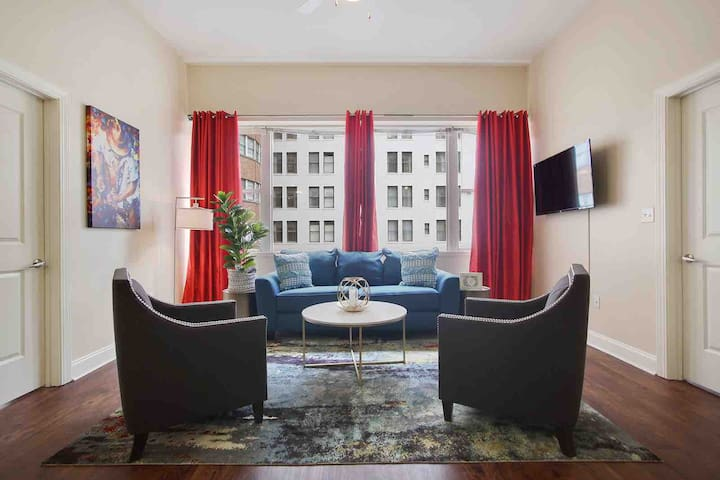 ★Resort Style Condo, City Views, Rooftop Pool, 5★